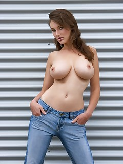Jeans and Tits Pics